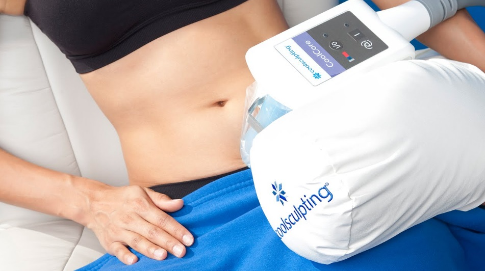 Debulk and Contour With CoolSculpting